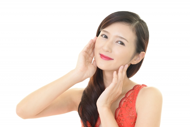 美肌は得、女性の見かけ年齢は、肌で決まります!